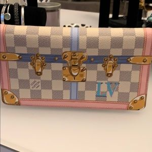 Louis Vuitton clutch pouchette